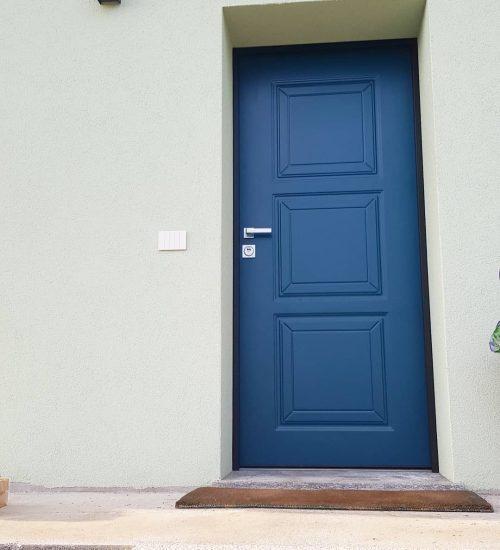 2021-03-FA-Serramenti-Porte-Ingresso-Blu-Elettrico-Appartamento-Varese